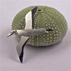Sue Shore stg gannet brooch-jewellery-The Vault