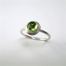 Little Gem Ring Peridot K-O-jewellery-The Vault