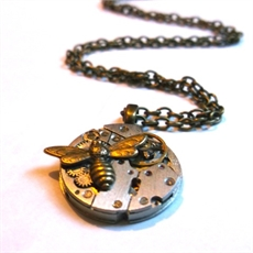 Petite Round Pendant Mixed Metal Bee  -sustainable-jewellery-The Vault