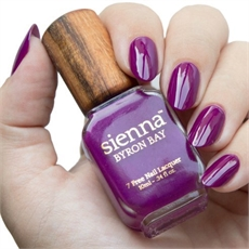 Sienna Nail Polish Royale-woman-The Vault