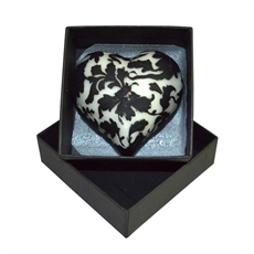 Beeswax Candle Large Leaf Heart – Black-woman-The Vault
