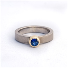 Ring Palladium 18ctYellowGold Sapphire -jewellery-The Vault