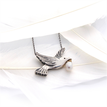 Dove Necklace Silver with Pearl